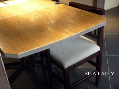 cafe多聞-テーブル